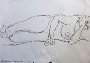 modella disegno carta matita madre