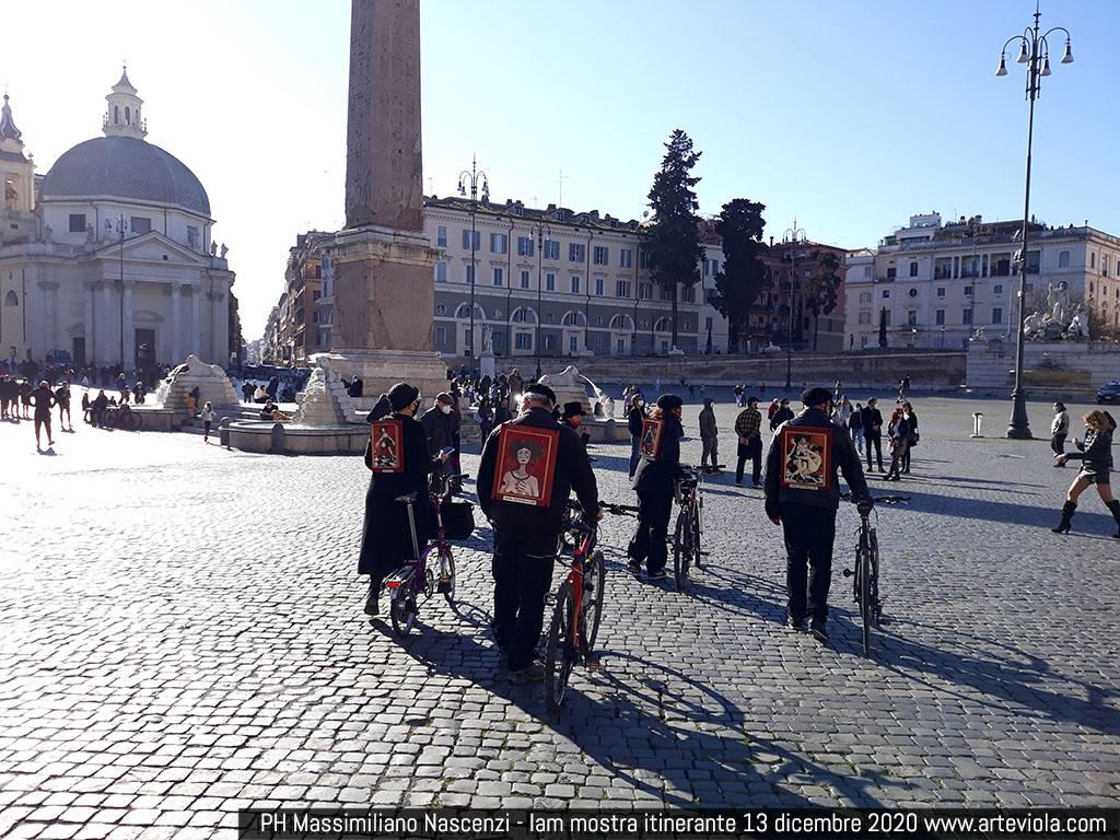 piazza del Popolo - la mostra itinerante -  l'arte al tempo del covid - viola di massimo
